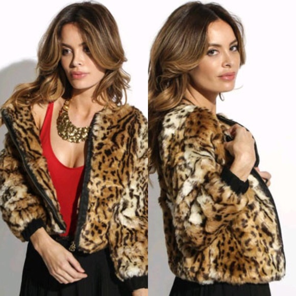 8b87a8426cad Stussy Kimba Faux Fur Leopard Print Coat Jacket. M_5a56e1a7739d48c5d50023fb